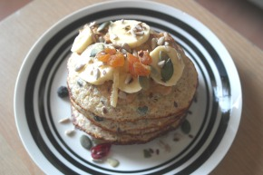 Banana, Peanut Butter & Superfood Sprinkles Pancakes